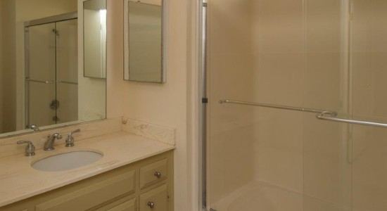 Guest Bathroom -  4128 Via Andorra D in Santa Barbara CA for $479,000. Listed by Thomas Schultheis, Broker Associate at berkshire Hathaway HomeServices